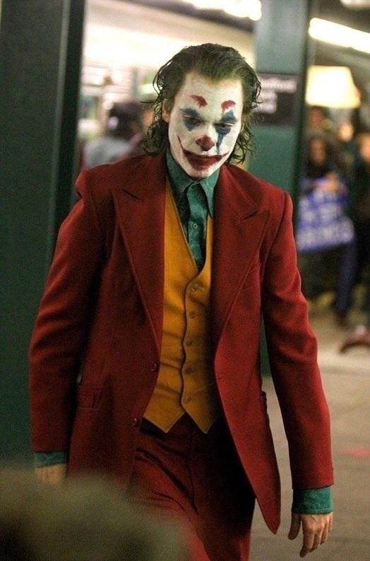 Фільм «Джокер» та переполох в метро (ФОТО, ВІДЕО)